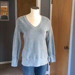 True grit women's vneck sweatshirt small